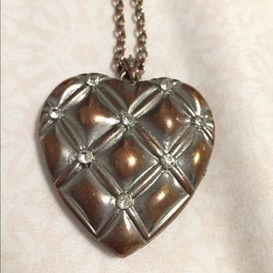 F21 long heart pendant necklace